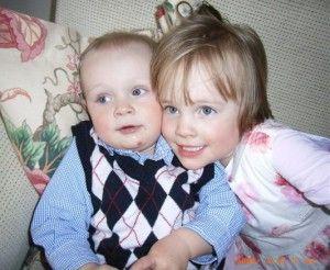 Luzie (3) und ihr Bruder