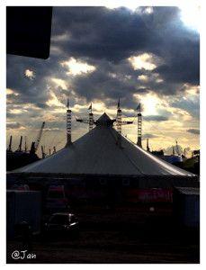 Das Thalia-Zelt in der Hafen-City