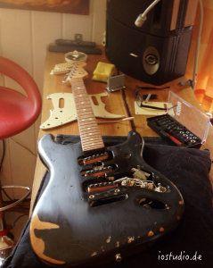 Die Fender in ihrer Ursprungsfarbe schwarz