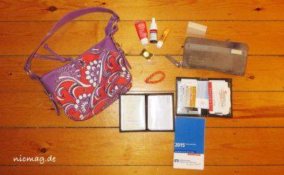 Sandras Tasche von Billabong mit Inhalt