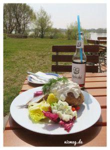 Ofenkartoffel mit Matjes und Salat