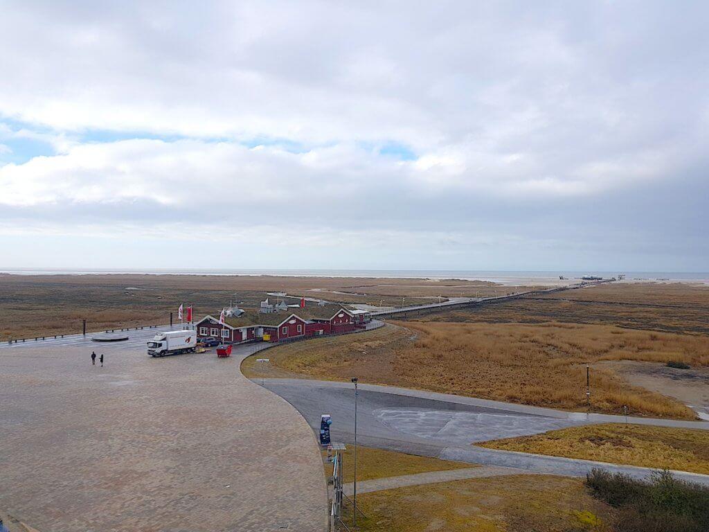 Blick über Dünen und Strand von St. Peter-Ording aus dem Hotel Strandgut – Foto: Nicole Stroschein