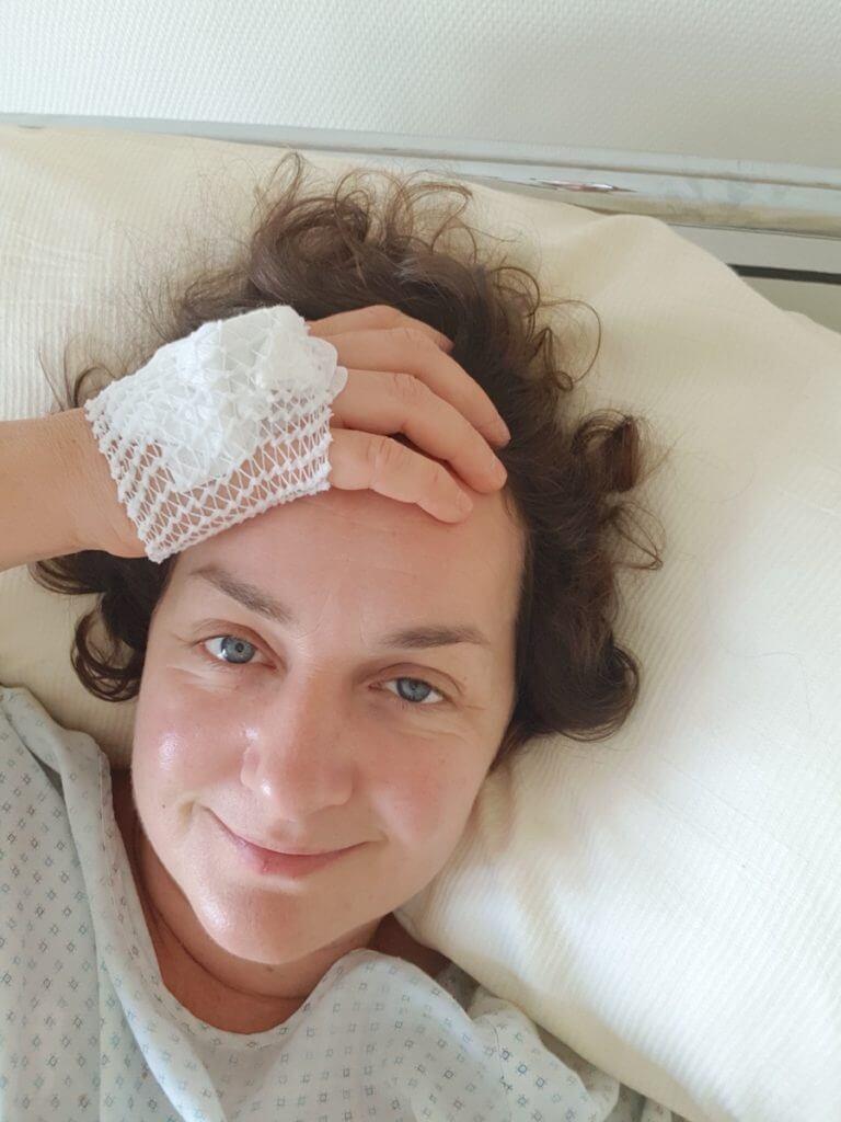 Frisch operiert in der Park-Klinik Manhagen – Foto: Nicole Stroschein