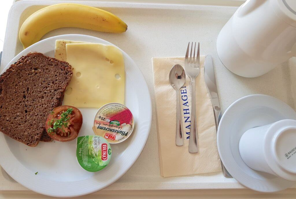 Abendessen in der Park-Klinik Manhagen – Foto: Nicole Stroschein