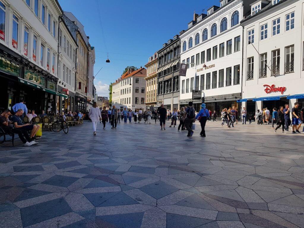Kopenhagens Einkaufsmeile Strøget – Foto: Nicole Stroschein