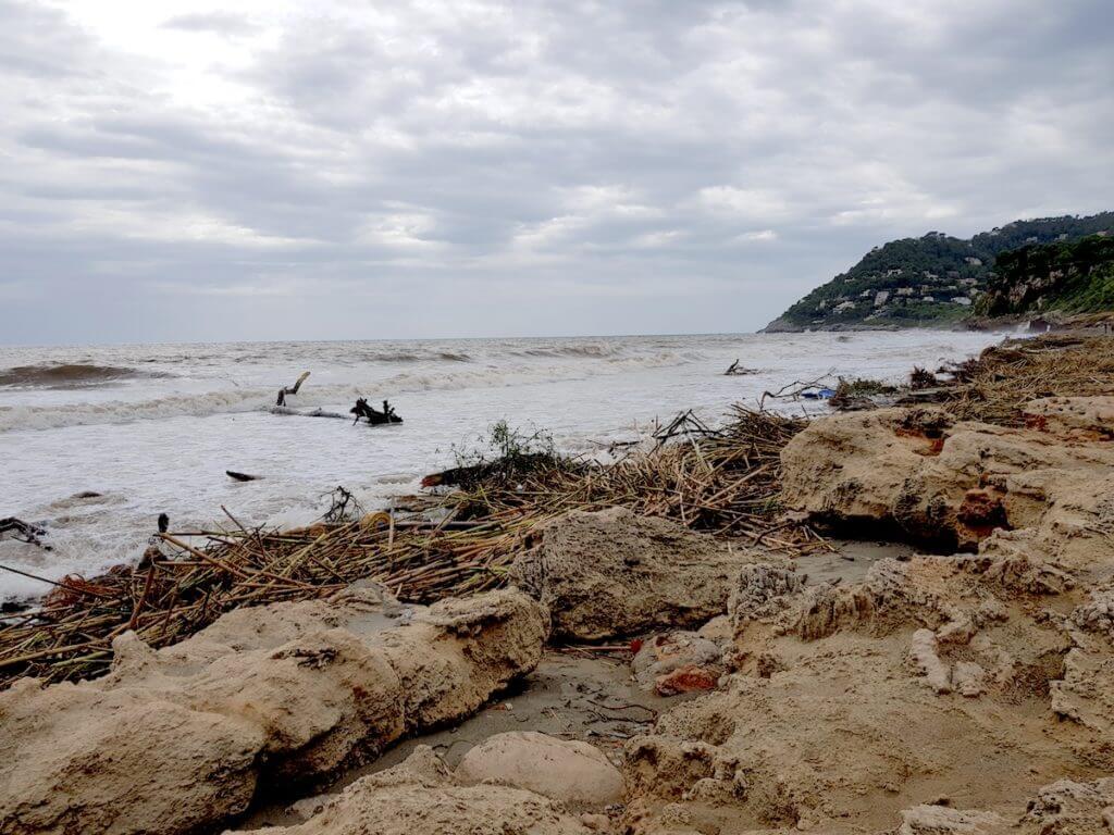Der Strand von Canyamel nach dem Sturm – Foto: Nicole Stroschein Mallorca