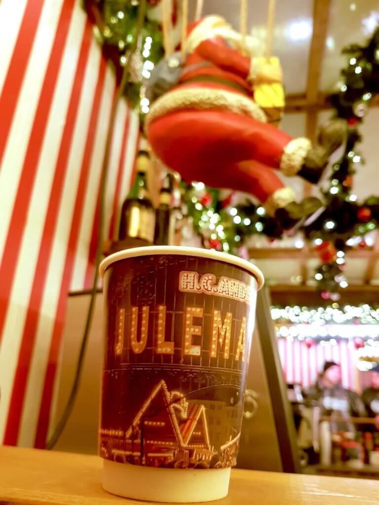 Gløgg auf dem Weihnachtsmarkt in Kopenhagen – Foto: Nicole Stroschein