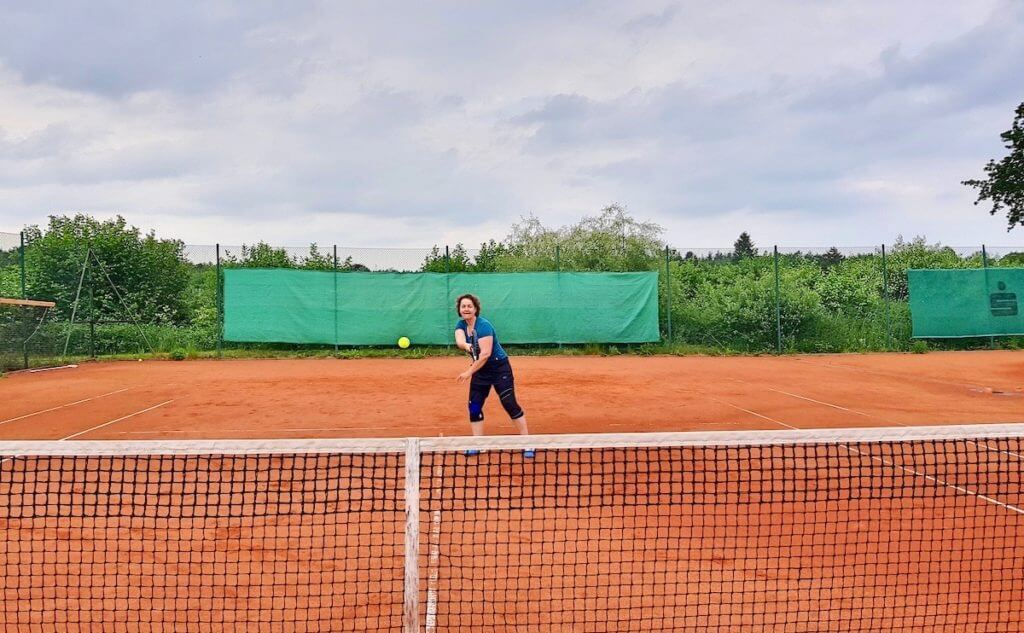 Tennis trotz Knorpelschaden – Foto: Karen Hörlik